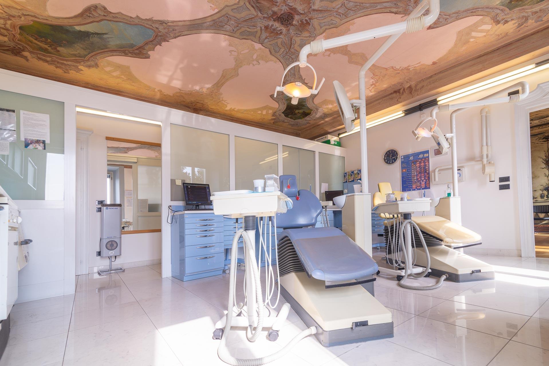 Cerchi uno studio dentistico a Verbania all'avanguardia e di fiducia?